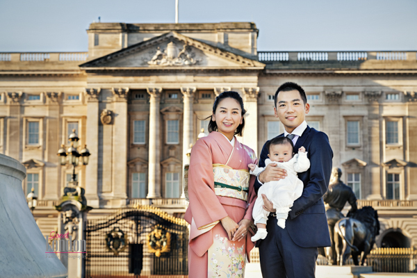 Family Photographer Centrail London - Buckingham Palace (1)