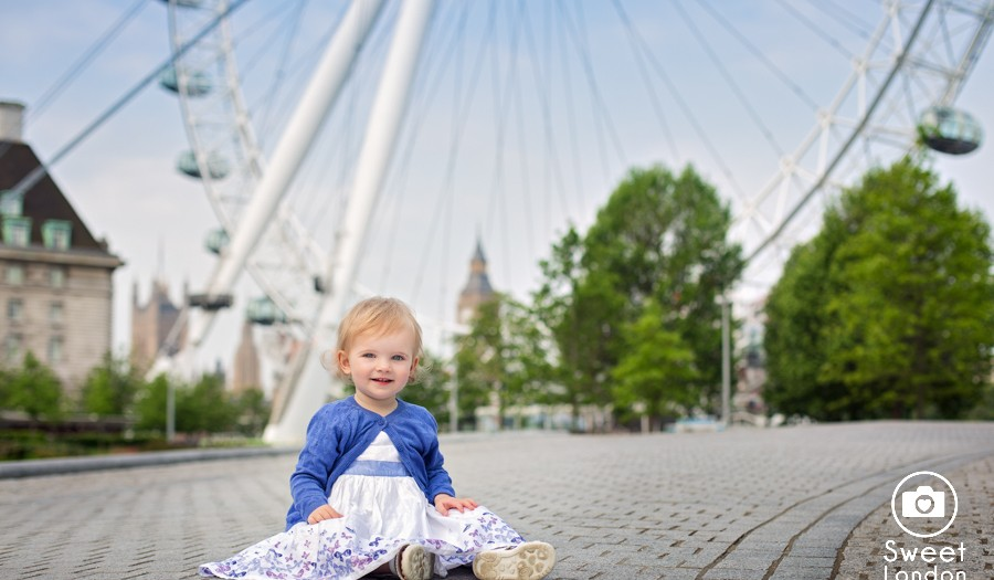 Family Photography in Westminster, West Central London - Preview with little Eva