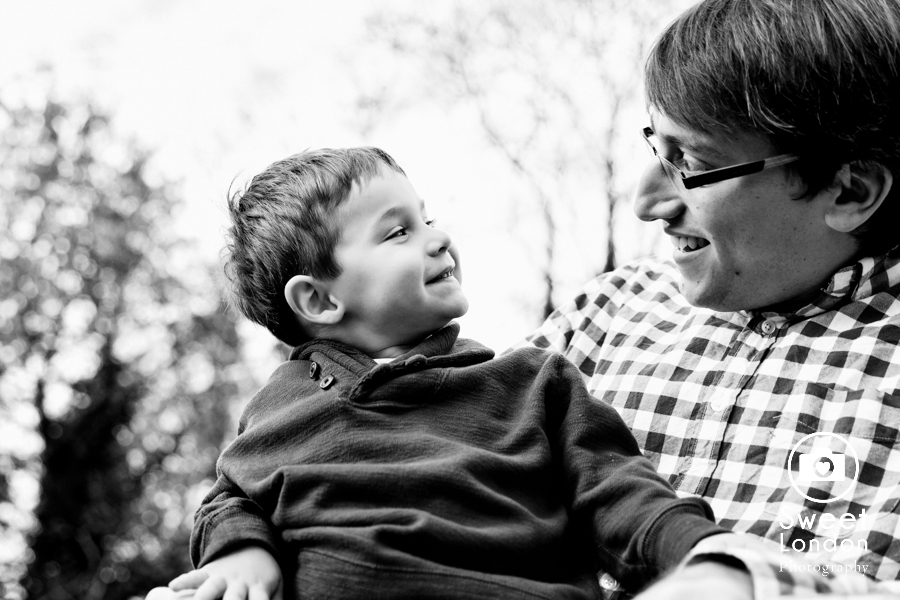 Children and Family Photography in Holland Park, West London (14)
