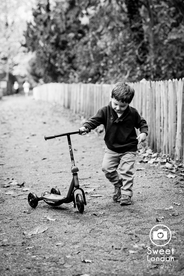 Children and Family Photography in Holland Park, West London (27)