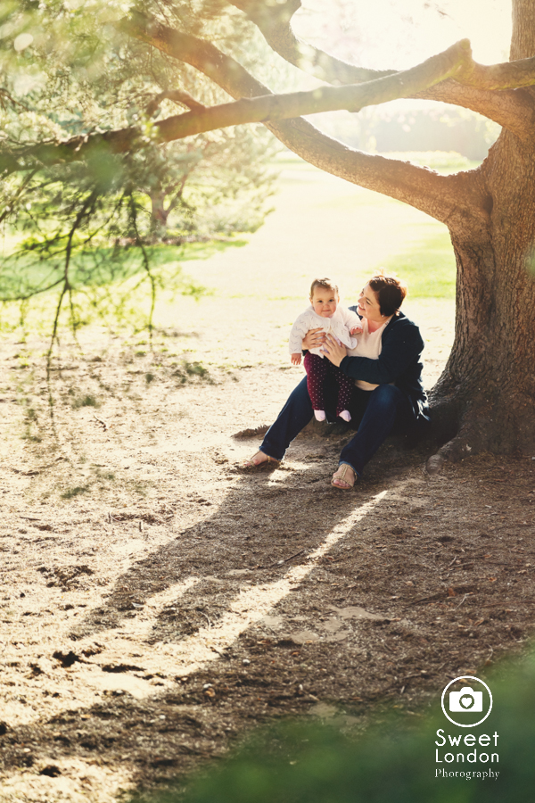 Baby photography in Greenwich Park and National Maritime Museum (19)