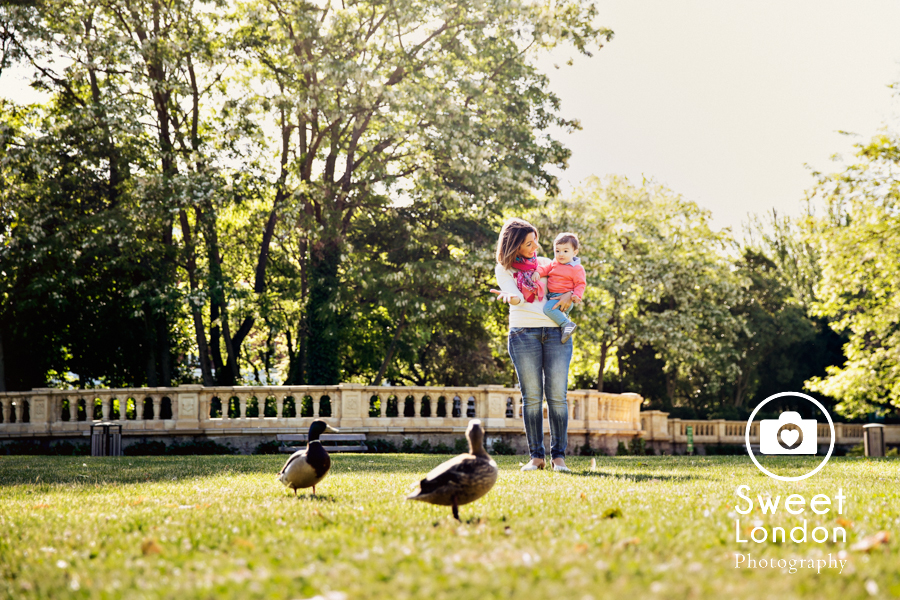 Children and Family Photography in Bishops Park, West London (10)