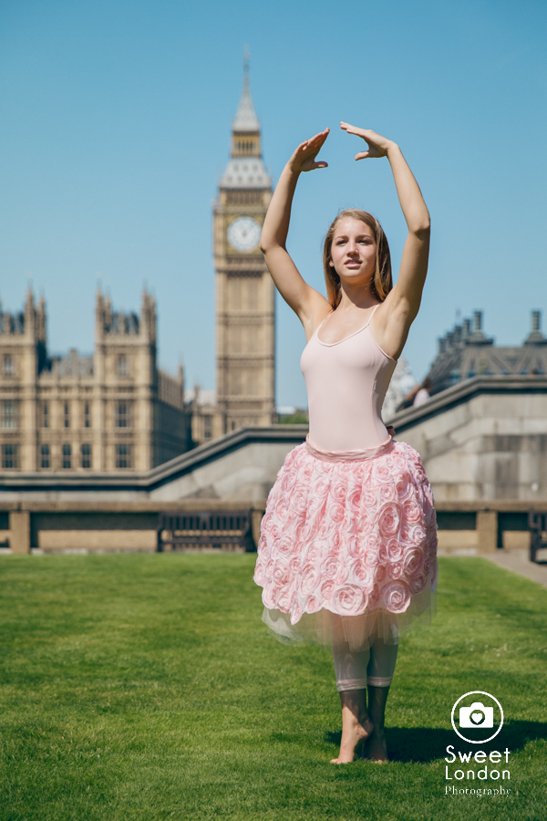 Family Photographer and Senior Photo Shoot in London (34)