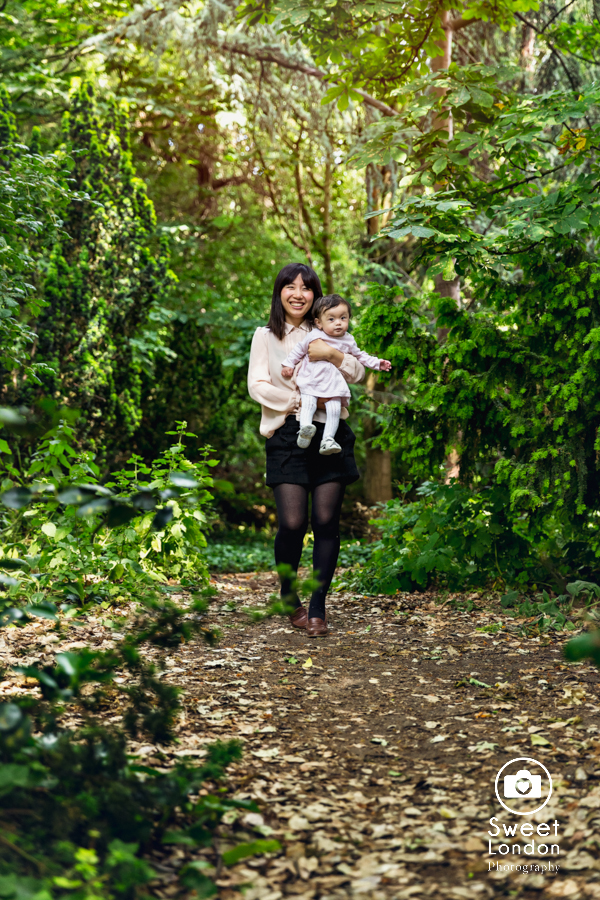 Family Photography in Fulham Palace and Bishops Park, West London (18)