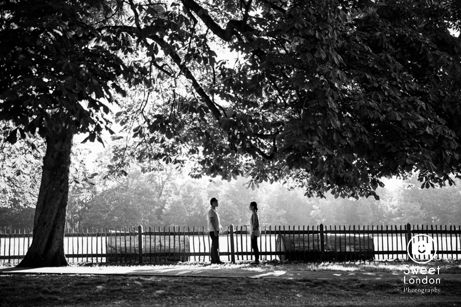 Couple Photography in Holland Park and Notting Hill, West London (11)