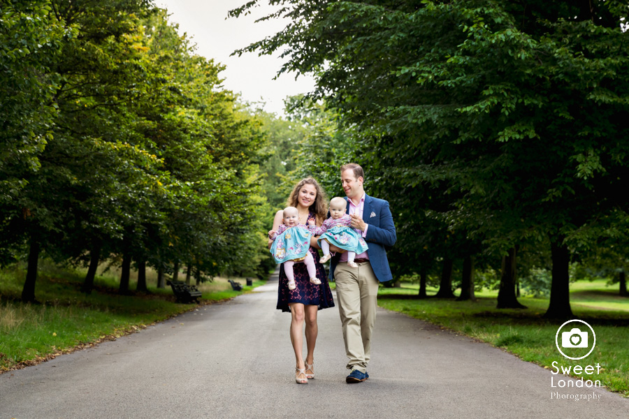 17_Baby and Family Photography with Twins in Greenwich Park, London (21)