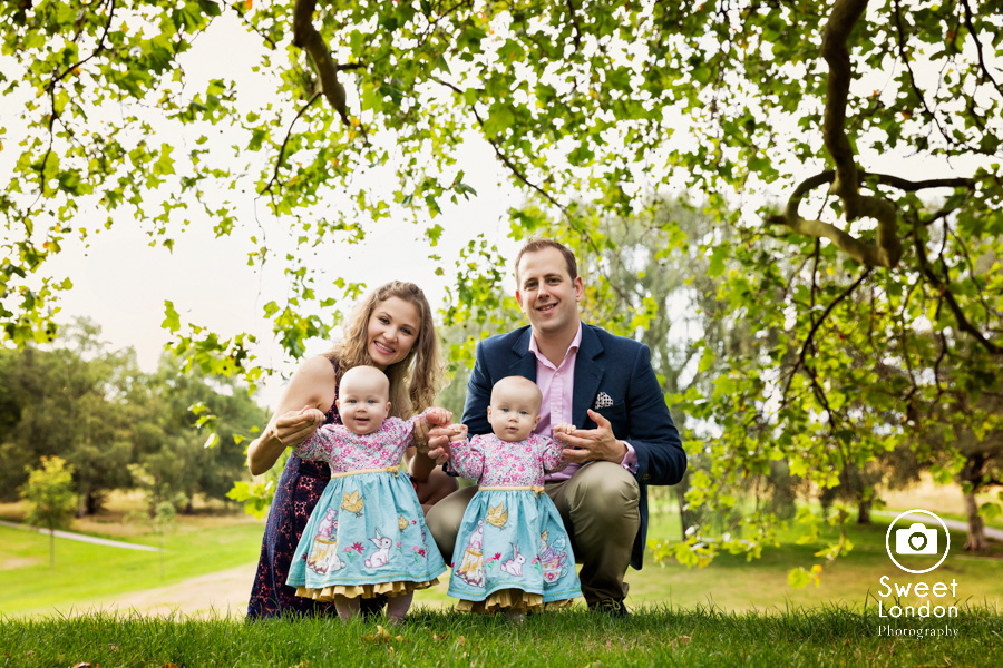 21_Baby and Family Photography with Twins in Greenwich Park, London (28)