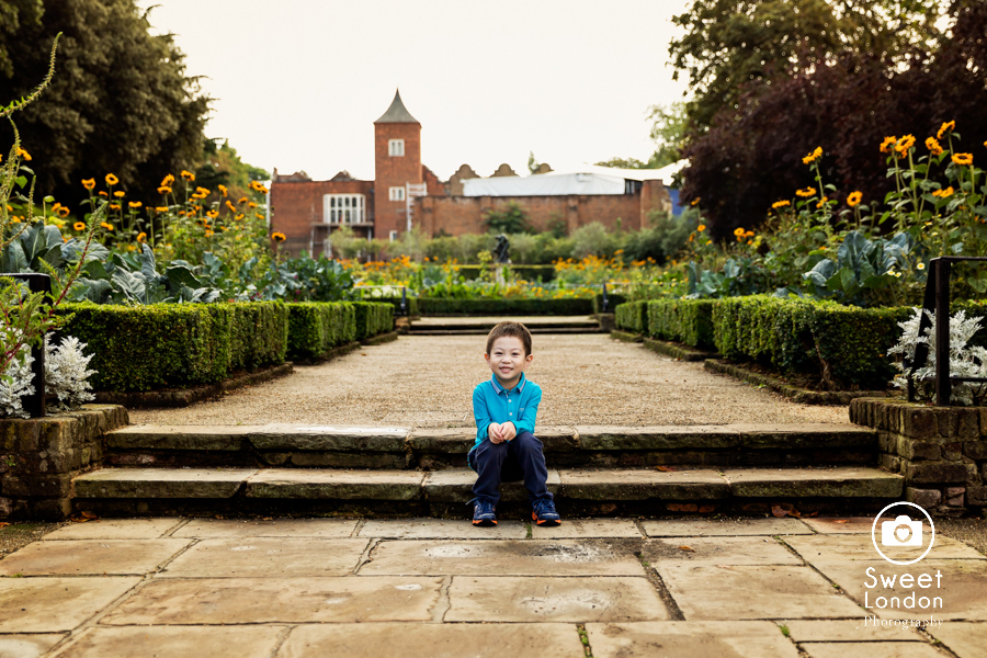 Children Photographer in Holland Park, West London Photo Shoot (16)