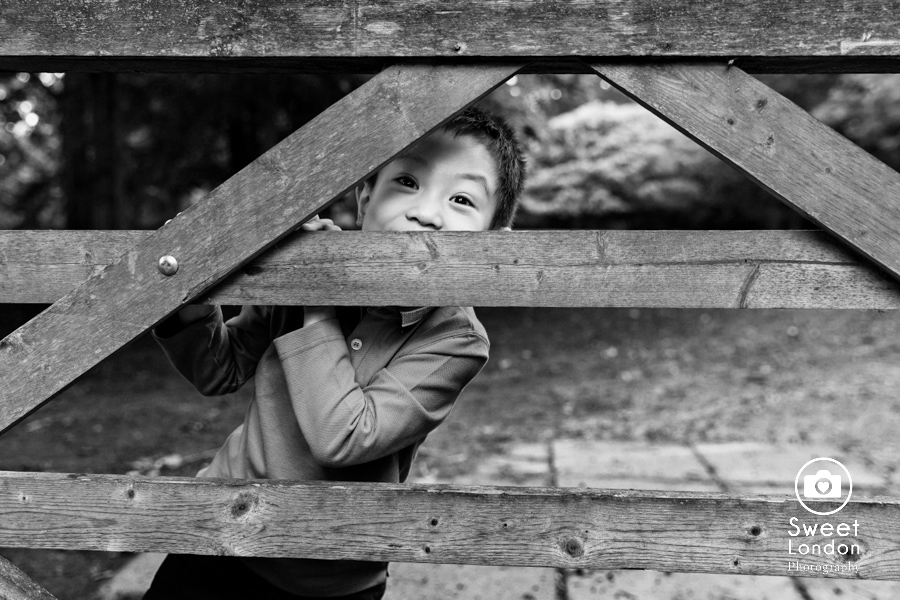 Children Photographer in Holland Park, West London Photo Shoot (21)