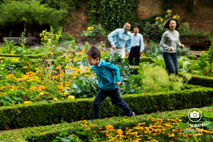 Children Photographer in Holland Park, West London Photo Shoot (7)
