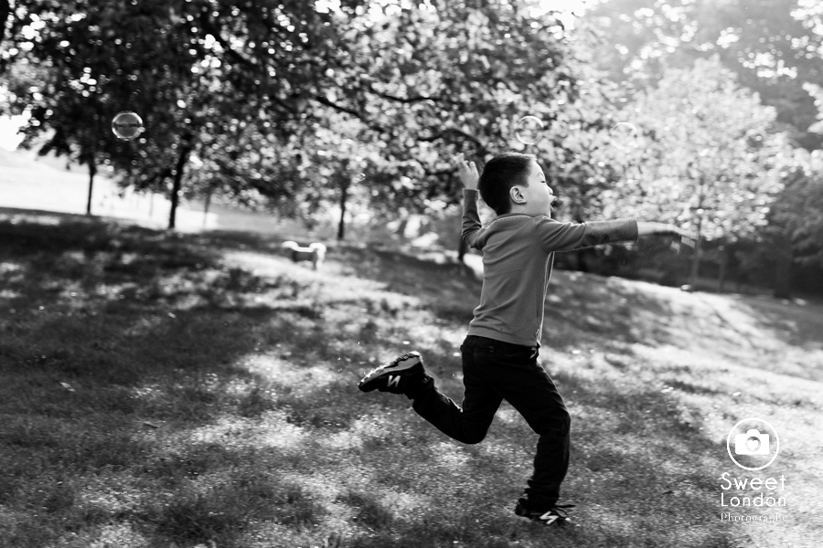 Family Photographer in Greenwich Park, South East London Photo Shoot (20)