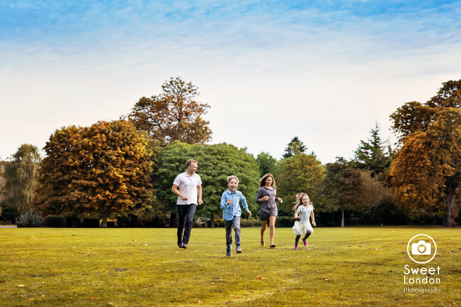 Family Photographer in Ravenscourt Park in West London