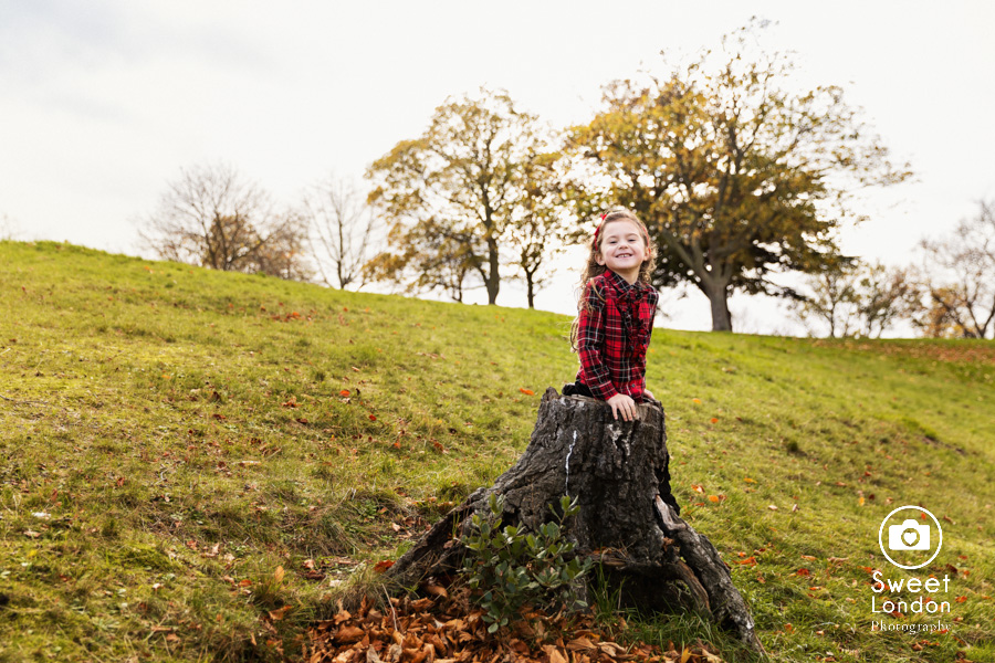 Children Photo Shoot in Greenwich Park - Christmas Cards (27)