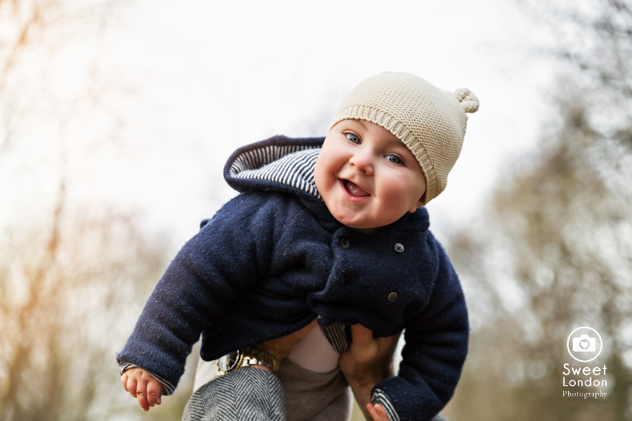 baby and family photo session in Hampstead Heath, North London (16)