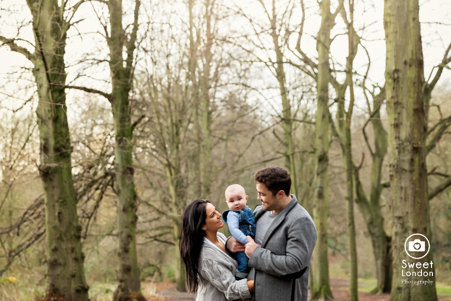 baby and family photo session in Hampstead Heath, North London (19)