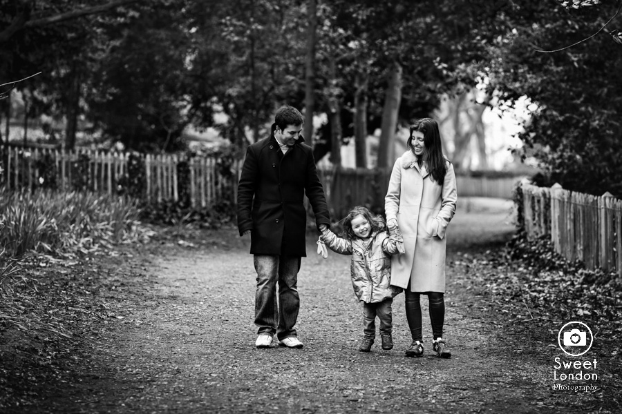 Holland Park Family Photographer (22)
