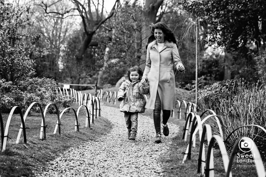 Holland Park Family Photographer (24)