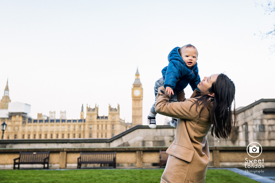 Tower Bridge and Westminster Family Photographer (14)