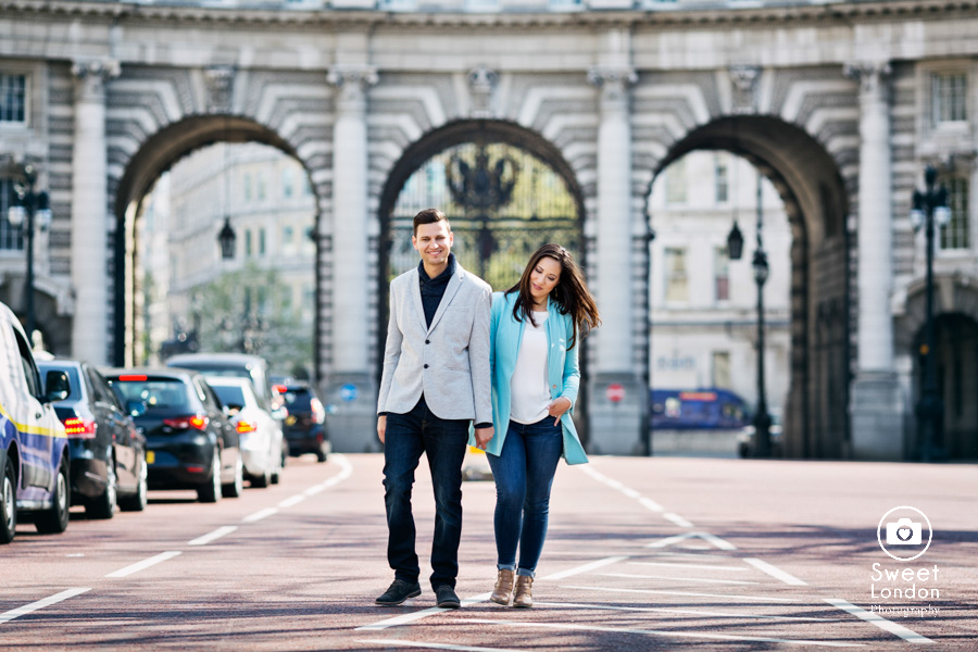 London Couple Photography - Big Ben London Eye and Trafalgar Square (37)