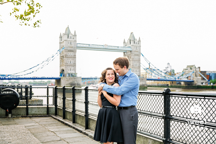 big-ben-and-tower-bridge-london-couple-photos-15