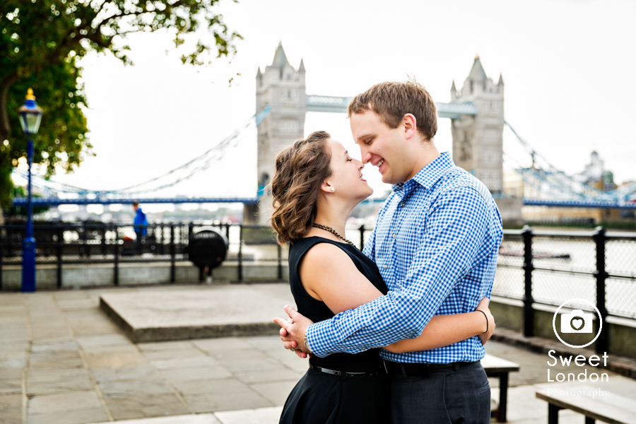 big-ben-and-tower-bridge-london-couple-photos-20