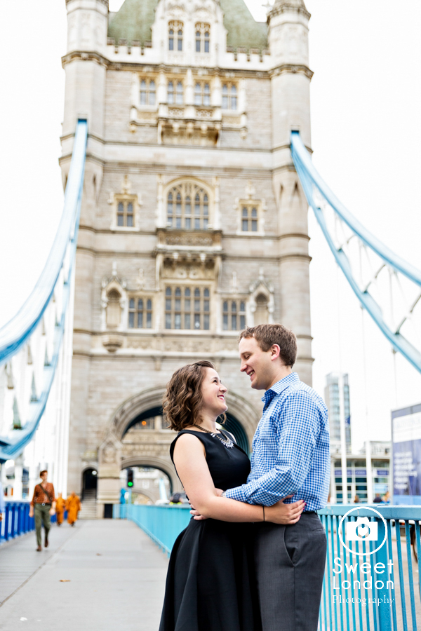 big-ben-and-tower-bridge-london-couple-photos-24