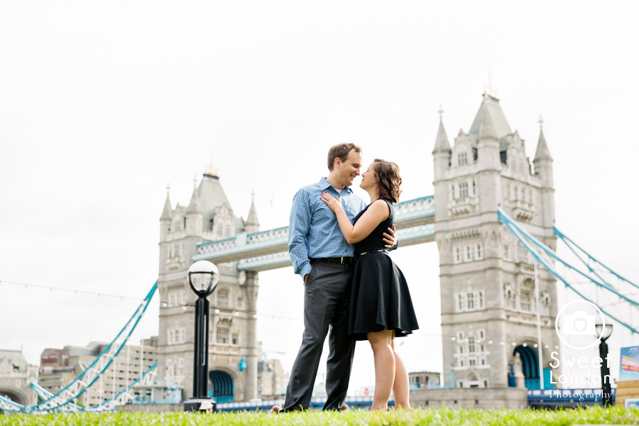 big-ben-and-tower-bridge-london-couple-photos-29