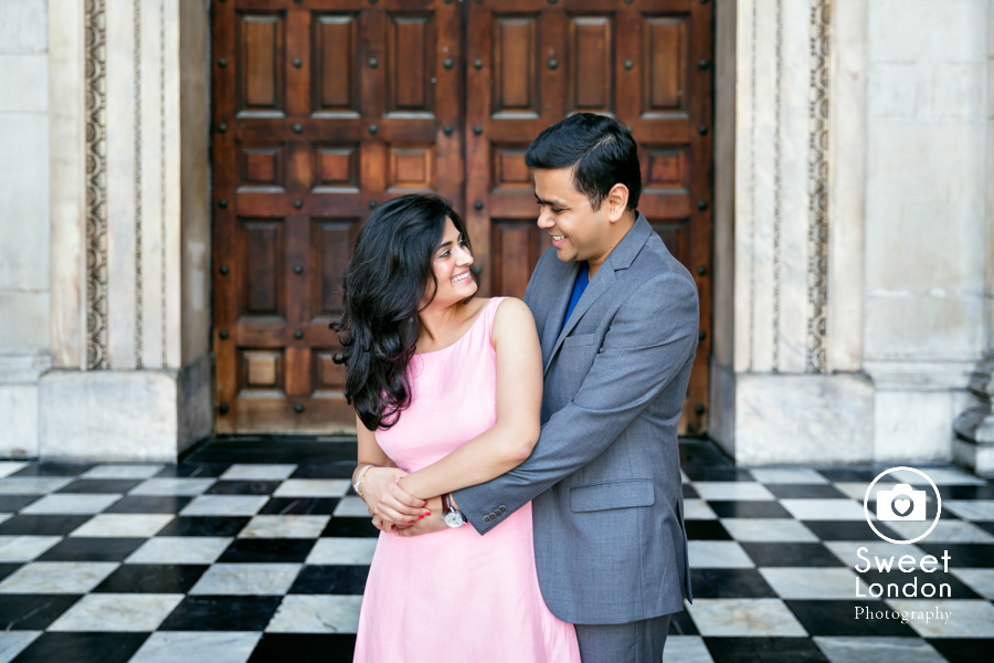 engagement-couple-photo-shoot-london-2