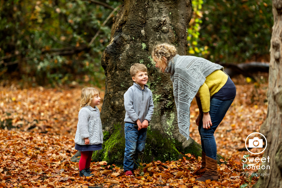 autumn-family-photo-shoot-london-family-photography-in-wimbledon-33