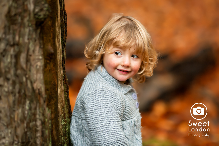 autumn-family-photo-shoot-london-family-photography-in-wimbledon-35