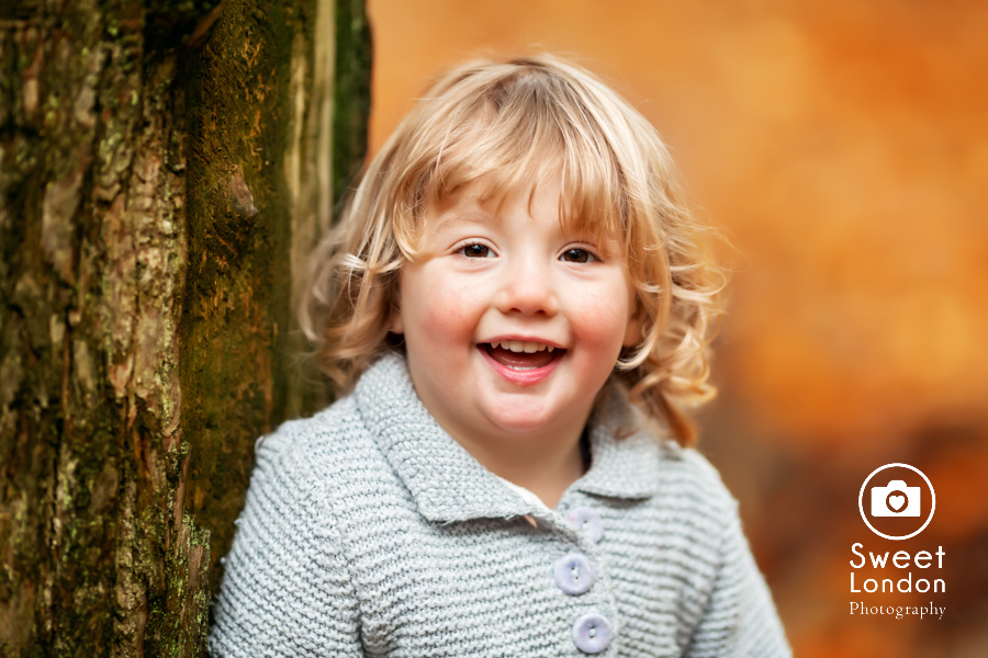autumn-family-photo-shoot-london-family-photography-in-wimbledon-36