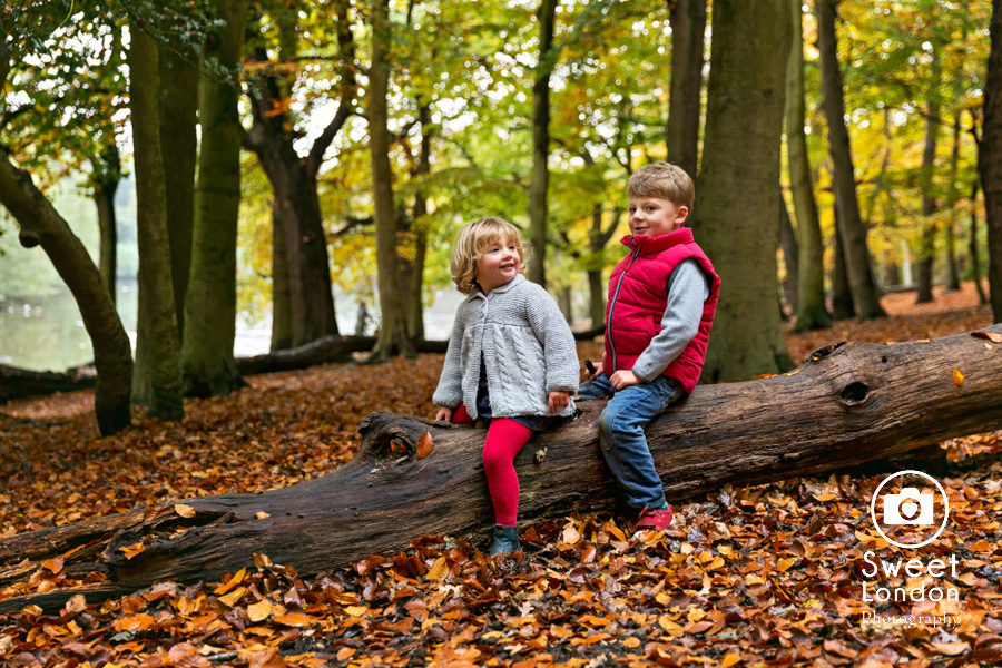 autumn-family-photo-shoot-london-family-photography-in-wimbledon-49