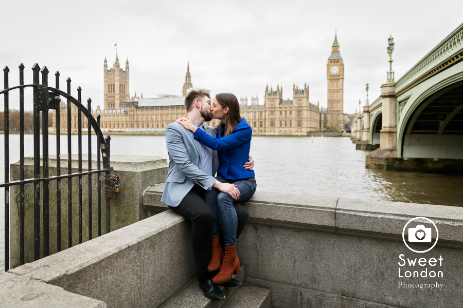 london-engagement-photographer-big-ben-trafalgar-square-red-telephone-box-st-james-park-17