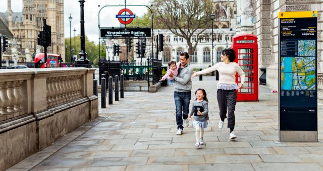 Kids love Big Ben - Family Photography in London