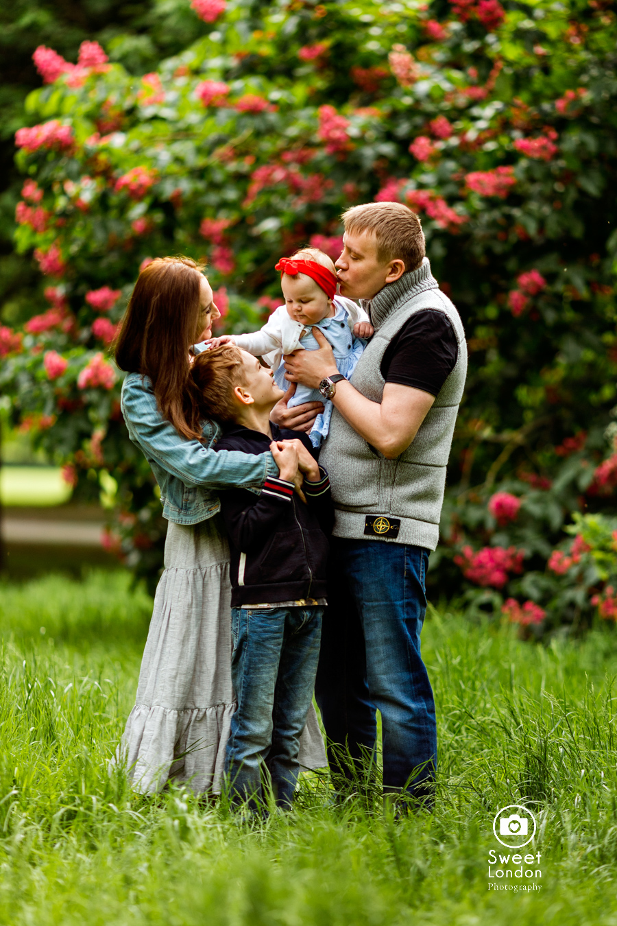 London Family Photography with Pets in Regent's Park
