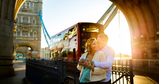 London anniversary couple shoot at Tower Bridge