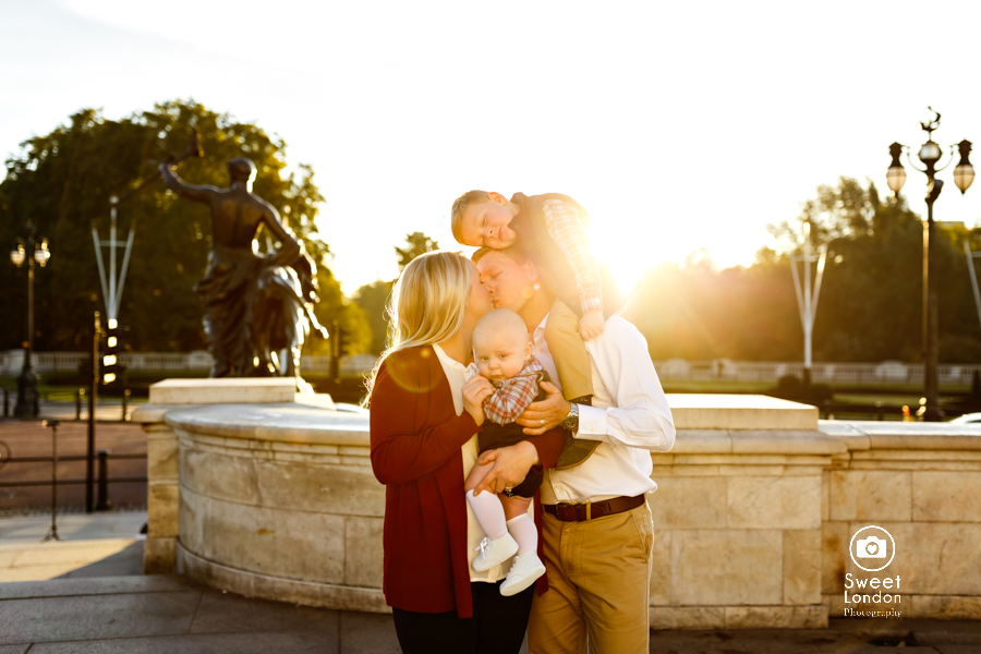 Fun London Family Photography at Buckingham Palace